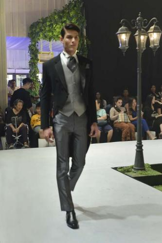 Model Jas Pernikahan Tailcoat 2